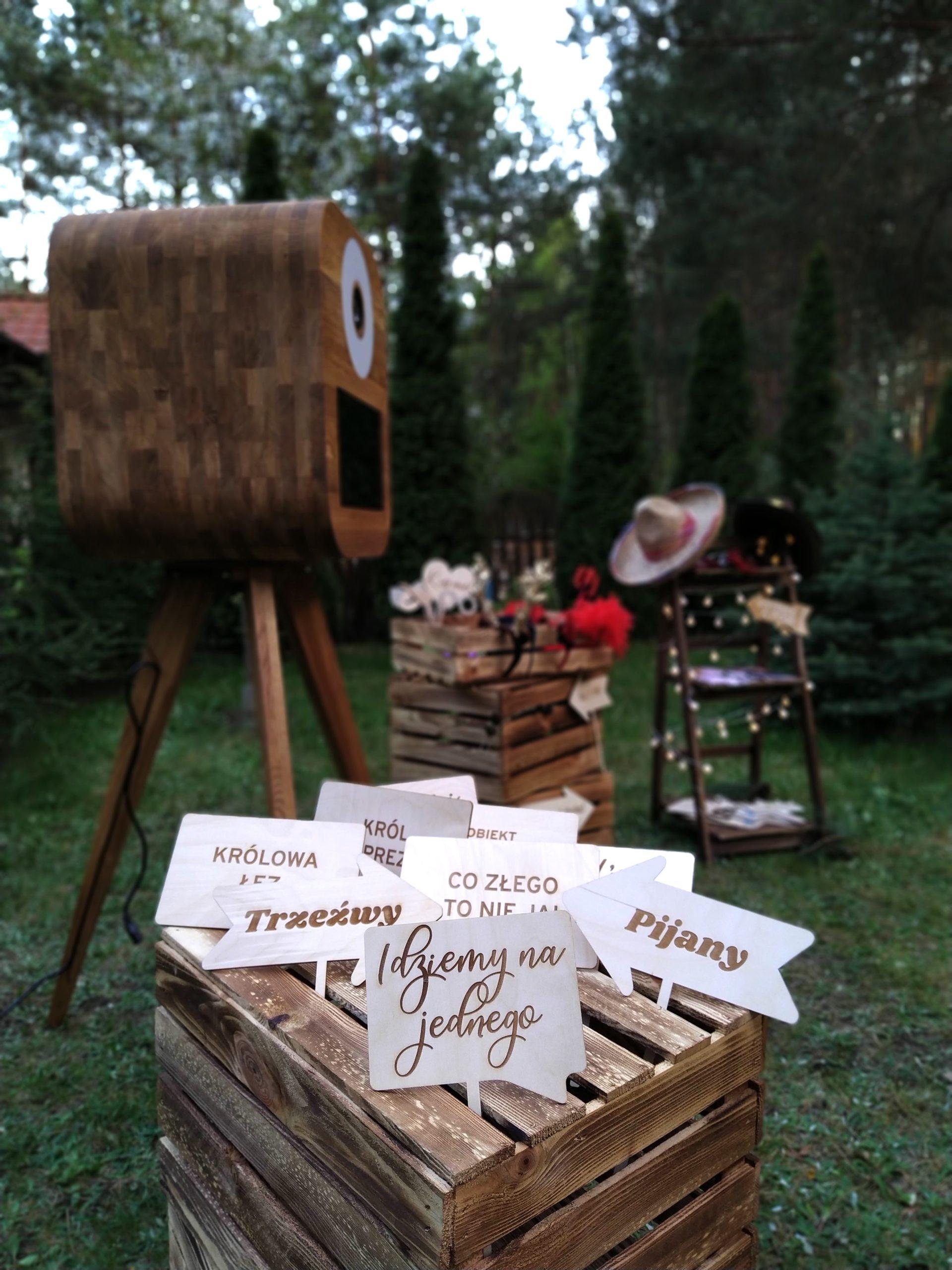 Drewniane tabliczki gadżety do fotobudki